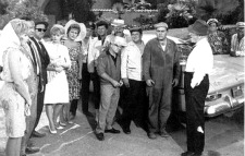 MAD WORLD Cast